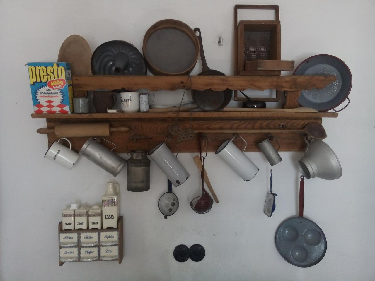 Möbel für Küchengeräte