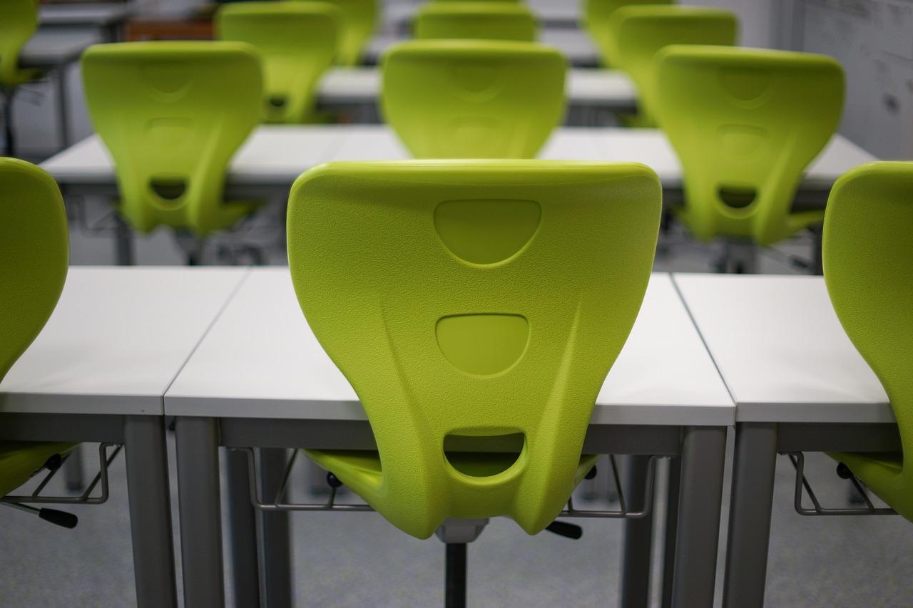 Vom Steinhocker zum Designerstuhl – Die Geschichte des Stuhls