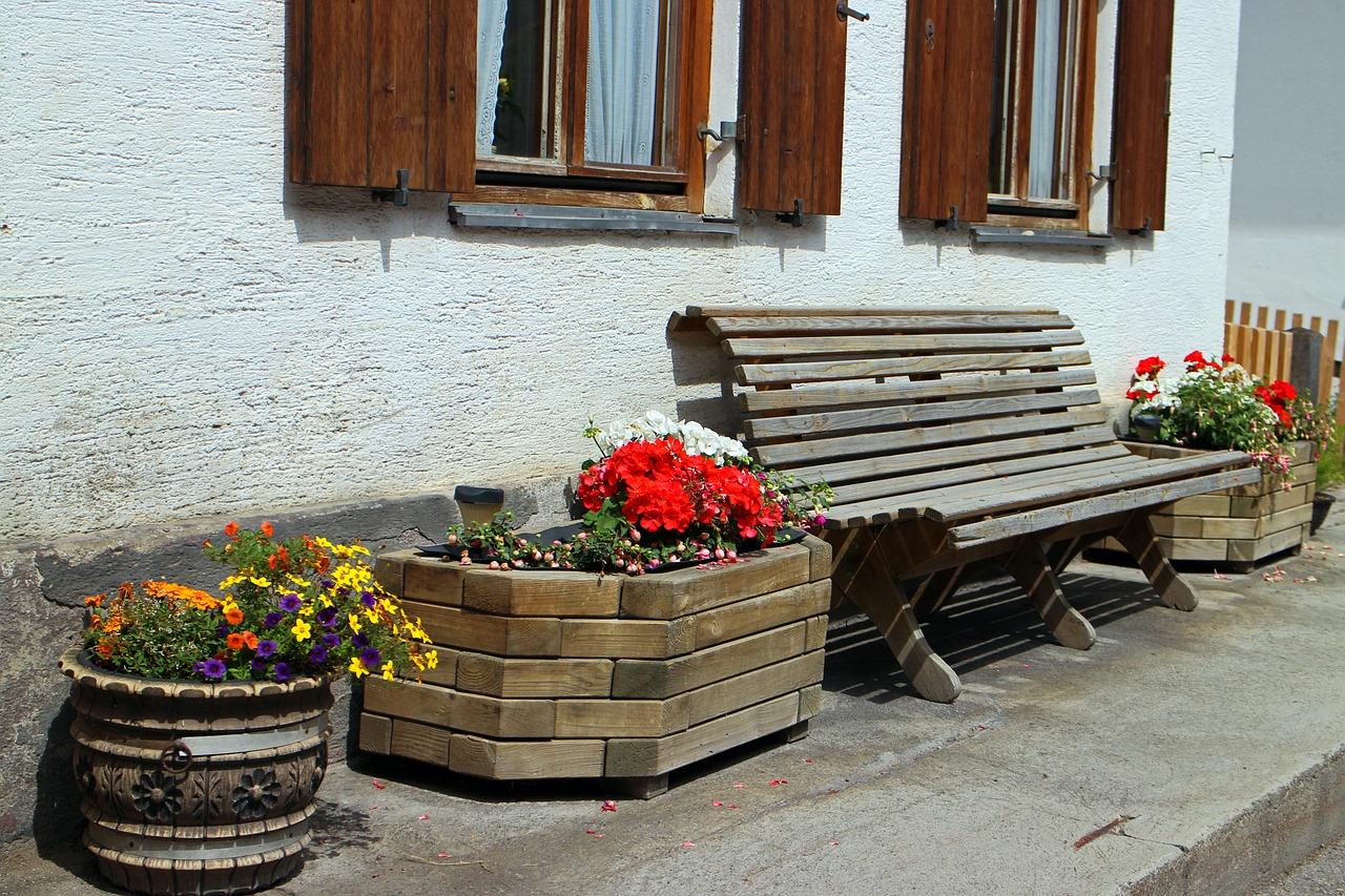 Massaranduba Blumenkübel als Gartendekoration