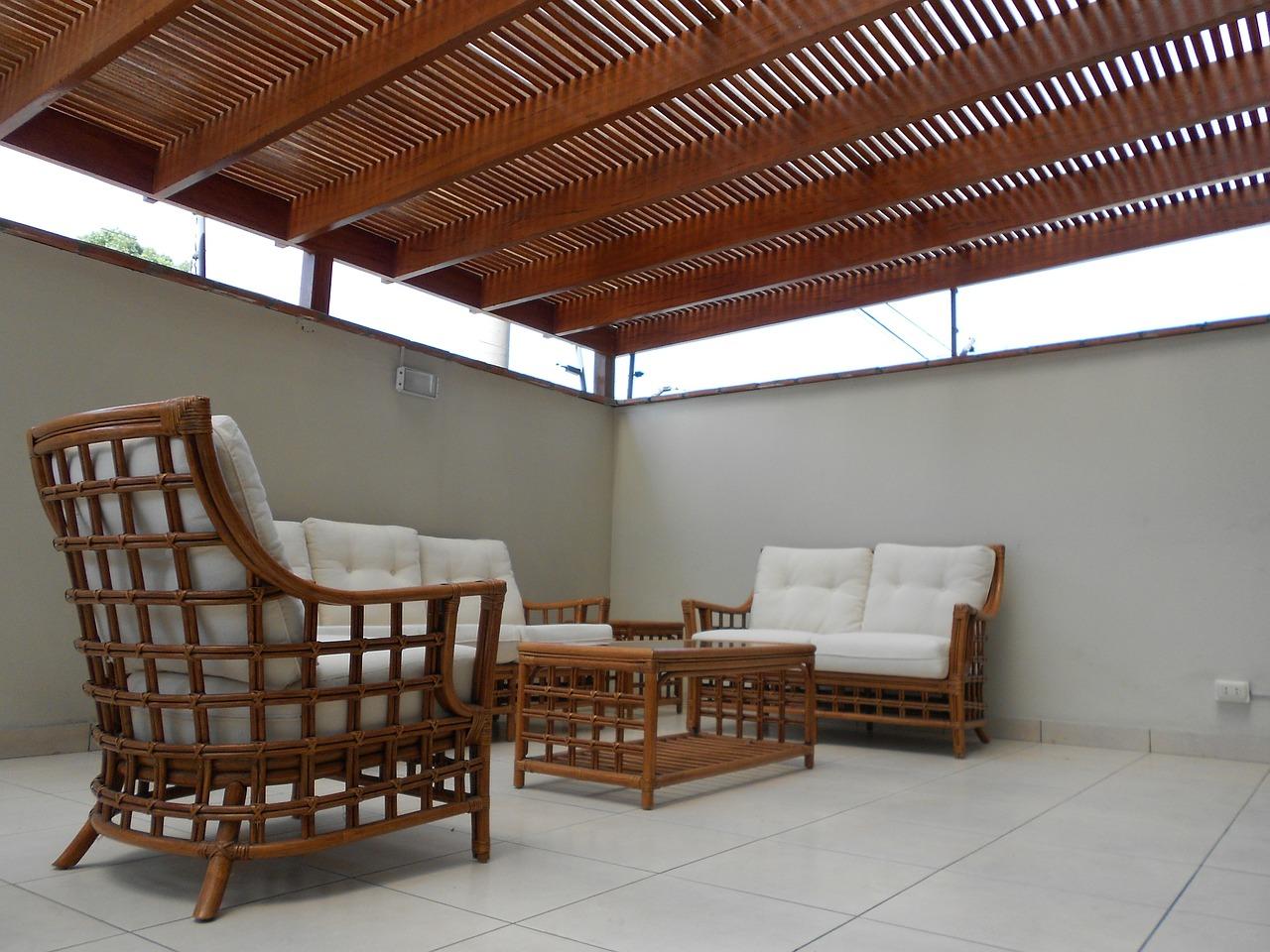 Inneneinrichtung mit Holzelementen – so lässt es sich Wohnen