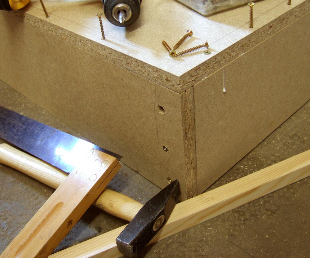 Hersteller für Massivholzmöbel freuen sich: 3,7% in 4 Jahren mehr Ausgaben für Möbel