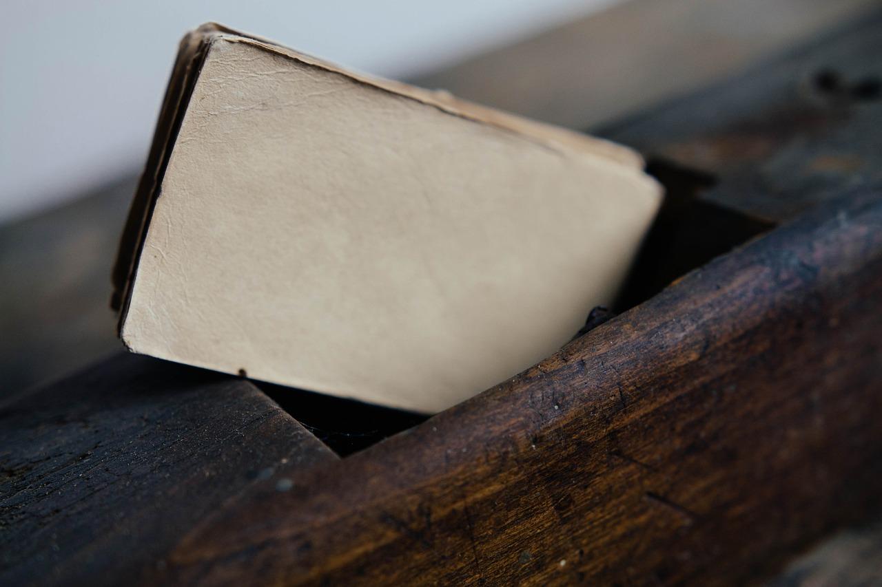 Was tun, wenn Umzugshelfer Möbel beschädigen?