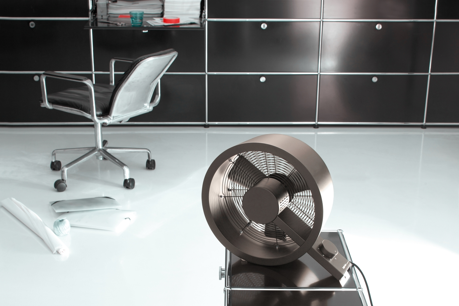 drei design ventilatoren die nicht nur cool aussehen. Black Bedroom Furniture Sets. Home Design Ideas