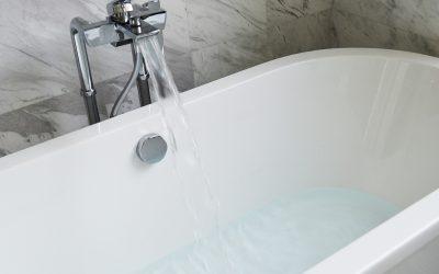 Ausrutschen in der Badewanne – was hilft wirklich dagegen?