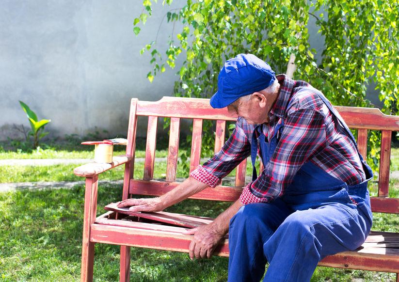 Alte Gartenmöbel restaurieren