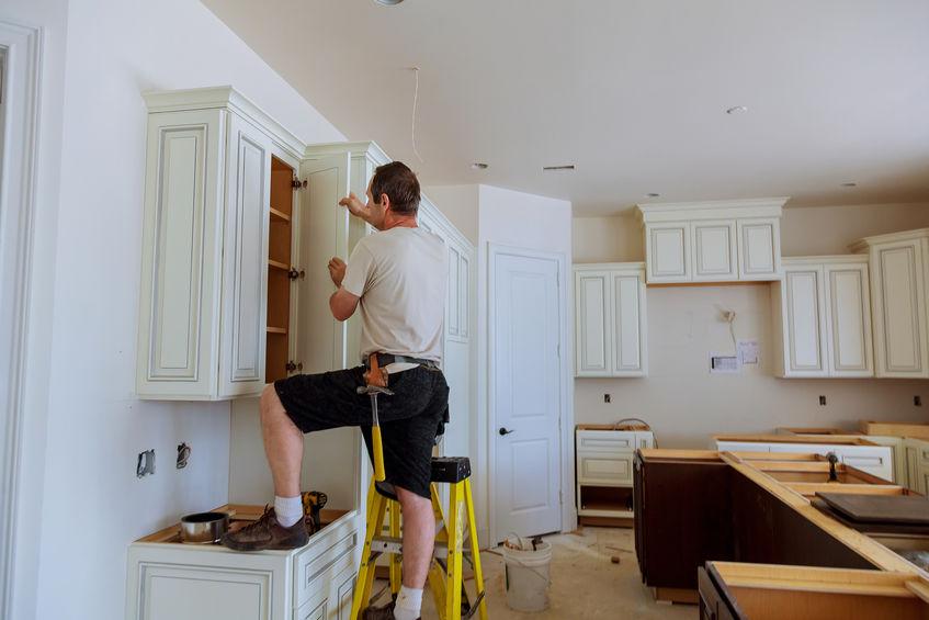 Küchenschränke reparieren – Fehlerquellen kennen und ausschalten